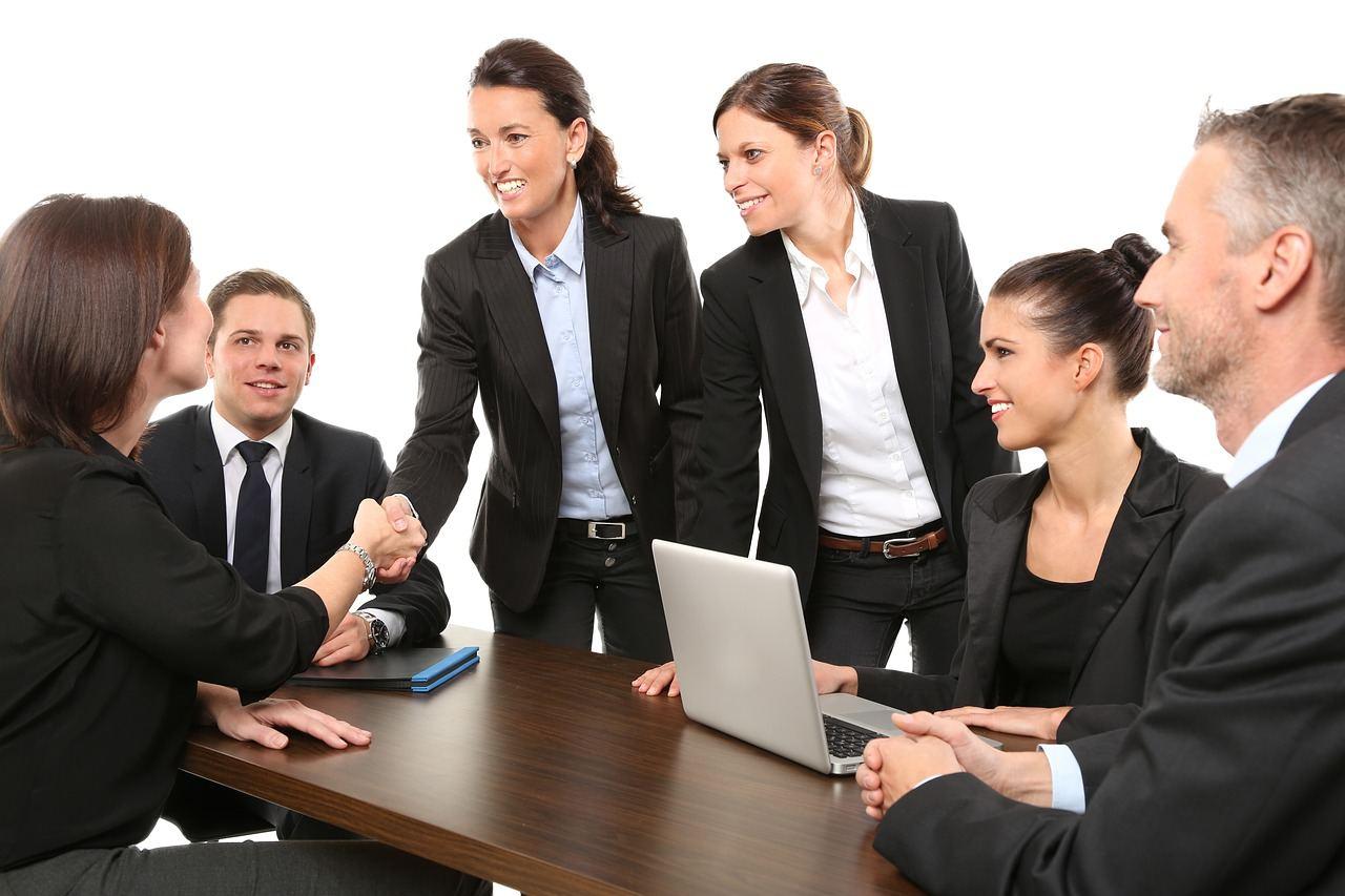 Lad et erfarent rekrutteringsbureau hjælpe med de nye medarbejdere